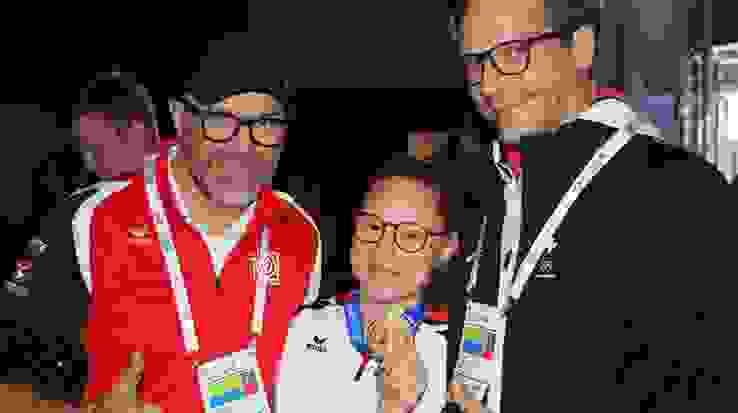 Coaches and Gold medallist.JPG